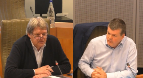 Ludwig stelt een vraag over interbestuurlijke samenwerking aan Bart Somers