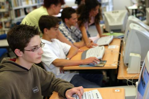 leerlingen in de computerles