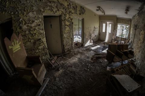 Leegstaand huis, vervallen interieur