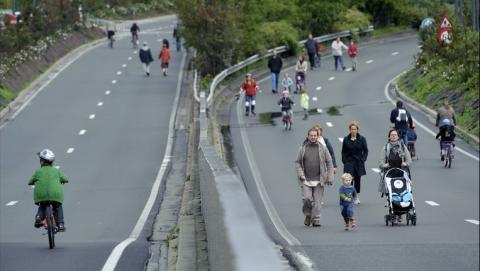 autoloze zondag - wandelen op de snelweg