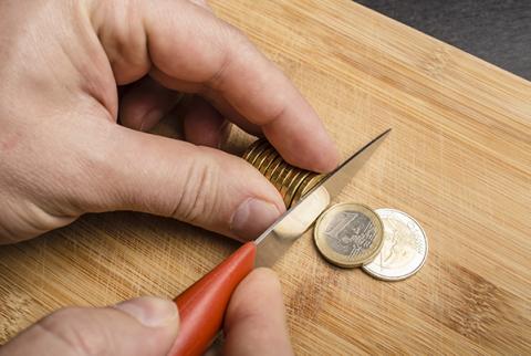 euro doorsnijden met mes