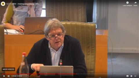Ludwig Vandenhove tijdens de vraag in de commissie van het Vlaams Parlement