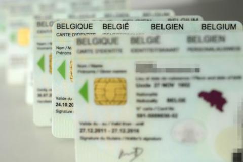 Identiteitskaarten - HLN