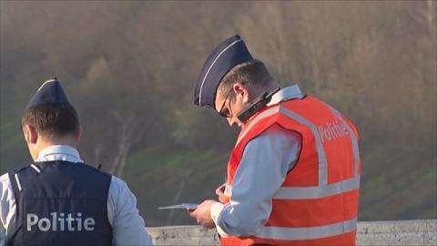 foto van 2 politieagenten