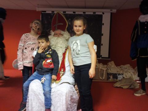 sinterklaasfeest bij armoede vereniging 'Onder Ons' in Sint Truiden